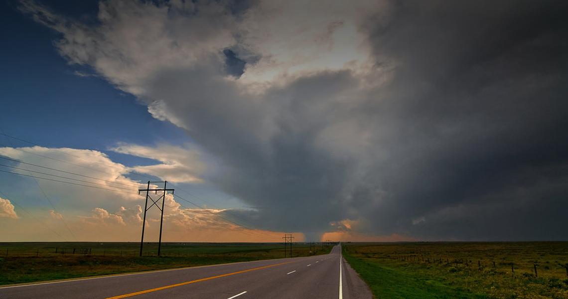 tornado_road